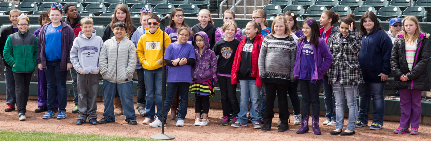 Pleasant Hill Elementary School Students at iCubs Game
